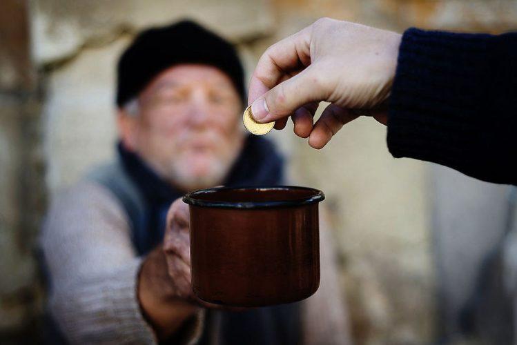 Марцінків закликає не давати гроші жебракам