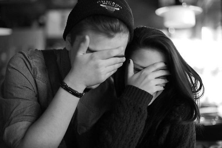 Картинки девушки с парнями на аву вконтакте