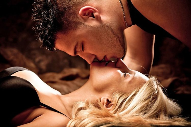 Видео страстной ночи любви извиняюсь