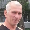 Gocha, 64 года