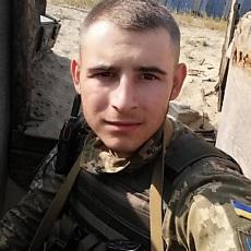 Фотография мужчины Максим, 21 год из г. Северодонецк